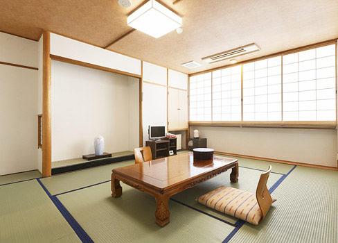 客室一例(すみれ11畳、トイレ・バス付)